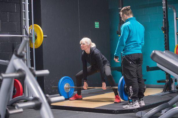 https://www.mirror.co.uk/news/uk-news/great-grandma-takes-up-powerlifting-9258892